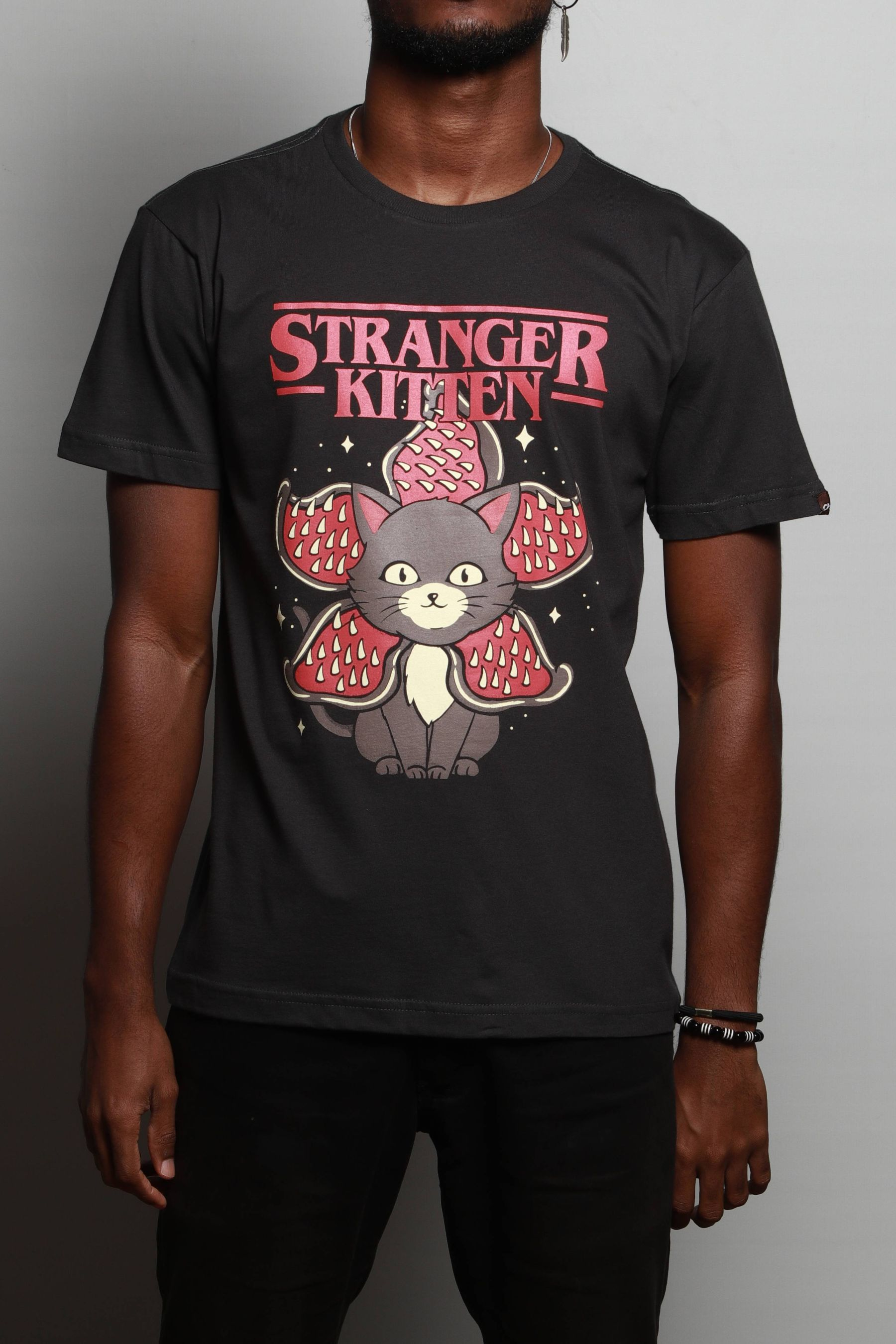 Camiseta Stranger Kitten
