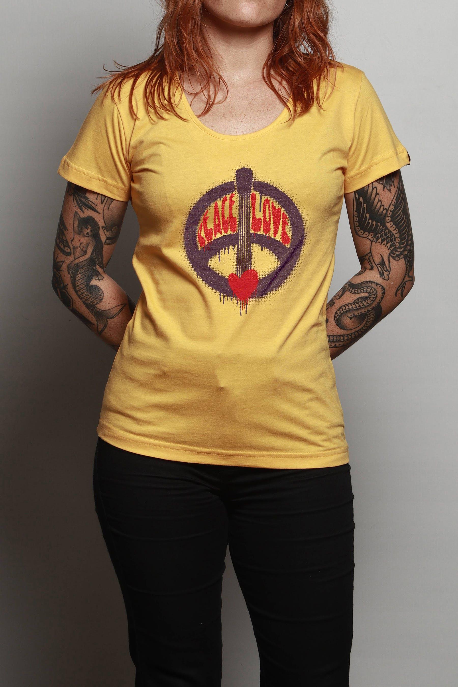 Camiseta Peace, Love And Música