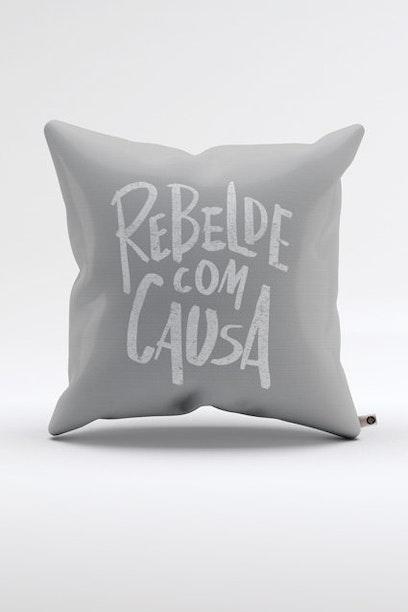 Almofada Rebelde com Causa