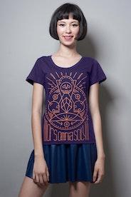 Camiseta Mors Omnia Solvit