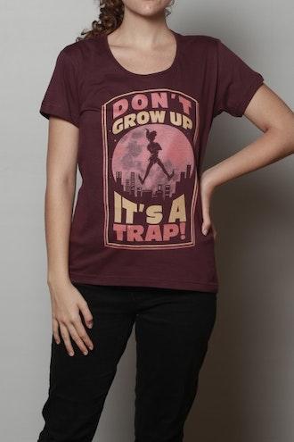 Camiseta Don't Grow Up