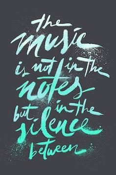 Estampa Camiseta The Silence Between