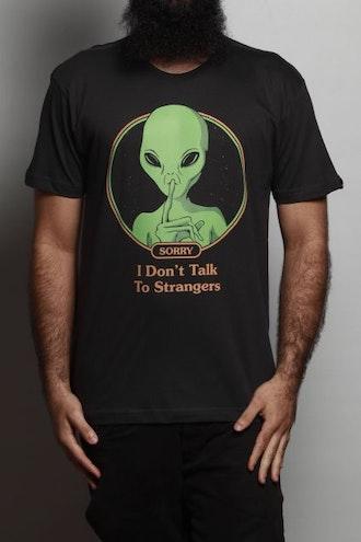 Camiseta Talk To Strangers