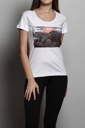 Camiseta Kaiju Kiss