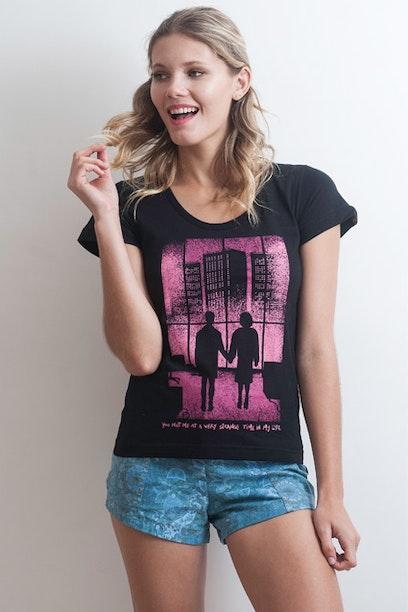Camiseta Strange Time