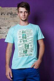 Camiseta Money Needs Me