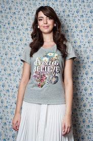 Camiseta Dream, believe, achieve