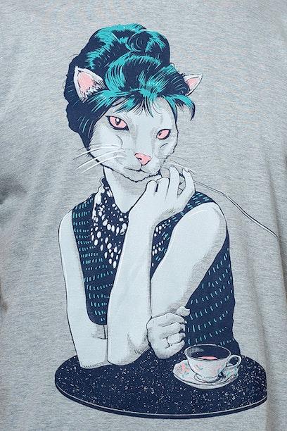 Camiseta Audrey Catburn