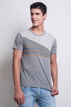 Camiseta Étnica