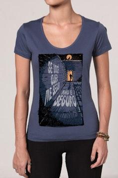 Camiseta A Lua Me Chama