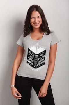 Camiseta Never Trust