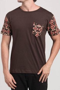 Camiseta Folk