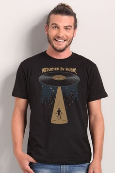 Camiseta Abducted by Music