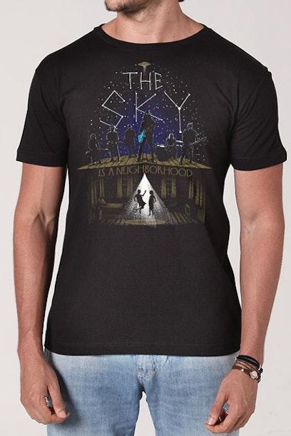Camiseta The Sky Is A Neighborhood
