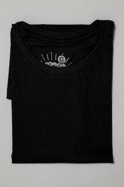 Camiseta Long Básica Preta R$69,90 | 4x de R$17,48