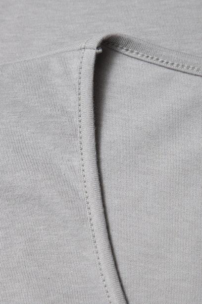 Camiseta Básica Cinza Prata